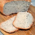 Chleb pszenno-żytnio-orkiszowy na drożdżach, pieczony w garnku