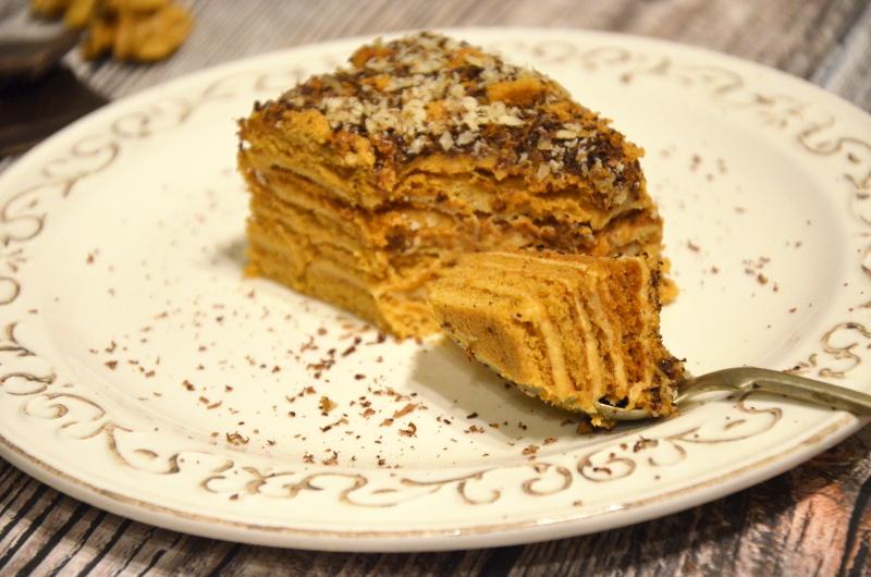 miodowe ciasto z kremem