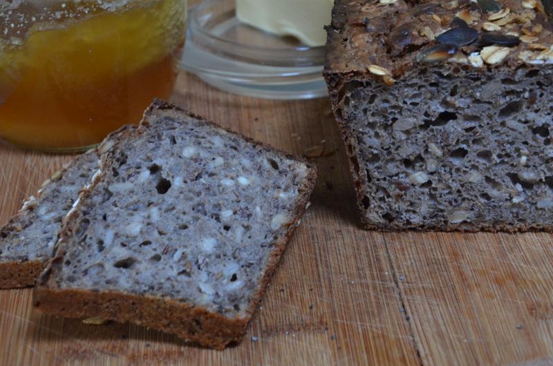 chleb górski z płatkami