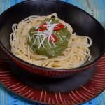 Pesto z awokado i szpinaku