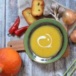 Tajska zupa z dyni z trawą cytrynową i mleczkiem kokosowym – kremowa