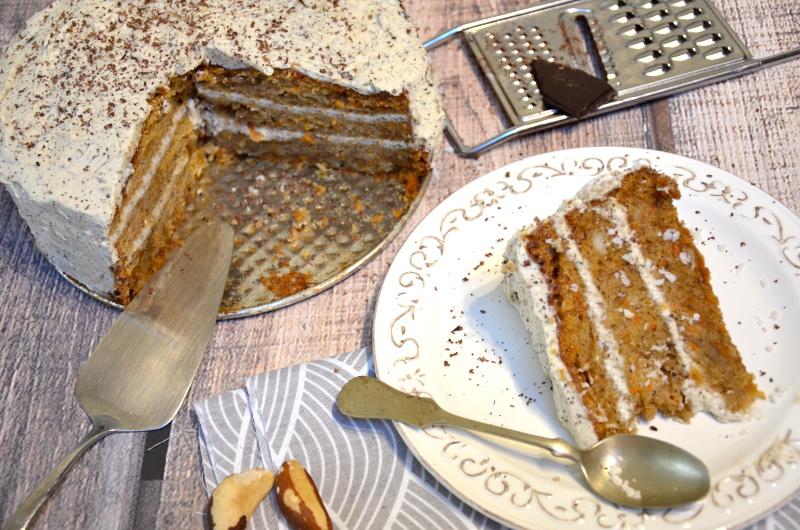 Ciasto marchewkowe z kremem kawowym na bazie mascarpone