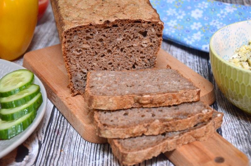 Chleb razowy orkiszowo-żytni na zakwasie