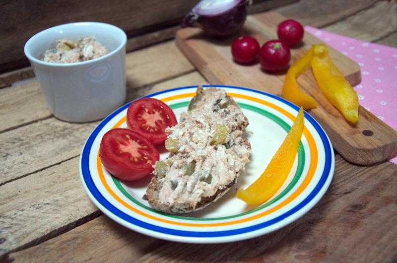 Pasta z makreli wędzonej i sera białego