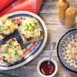 Klasyczne zapiekanki z pieczarkami i serem