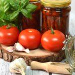Domowe, suszone pomidory w oliwie