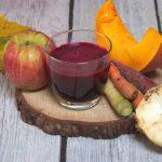 Domowy sok warzywno-owocowy – z buraka, selera, marchewki i jabłek