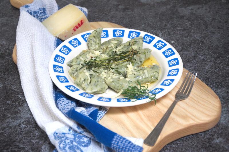 Kopytka ze szpinakiem i masłem tymiankowym