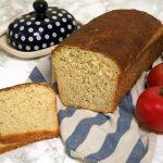 Chleb pszenny z dodatkiem płatków owsianych i miodu, na drożdżach