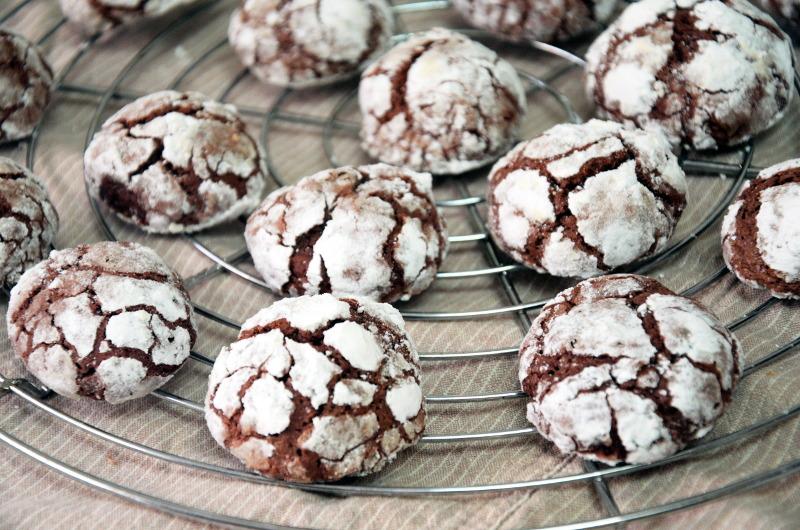 Pękające ciasteczka mocno czekoladowe