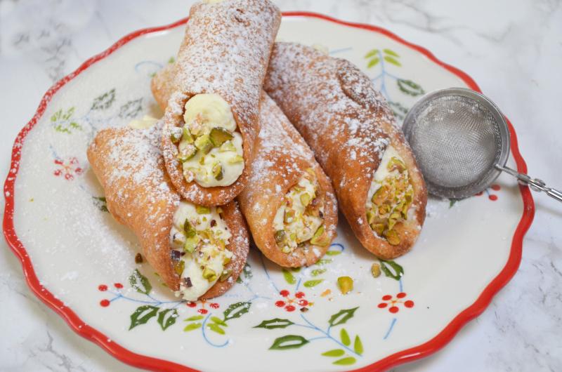 cannoli włoskie rurki z kremem